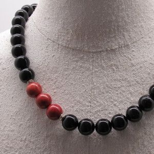 925 Sterling, Sponge Colar and Onyx Bead Necklace